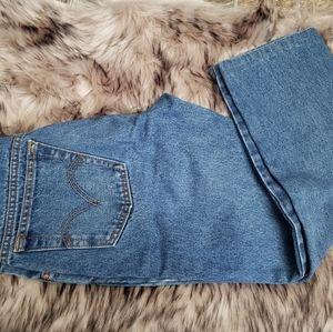 Capri Levi's Jeans